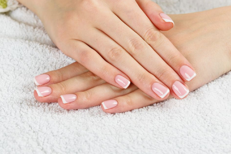 Nails by Mercede Manicures, Pedicures, Waxing, Facials, Massages. We are a full-service Nail Salon and Day Spa offering in 2996 Edgewater dr, College Park, Orlando, Orange County, Florida 32804